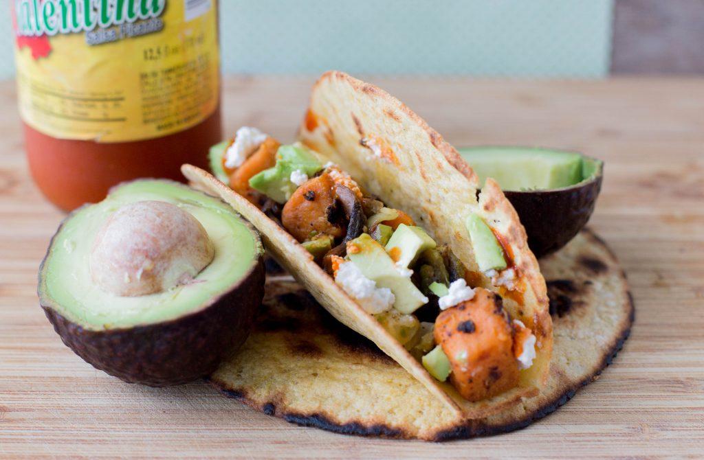 Tacos vegetarianos de camote